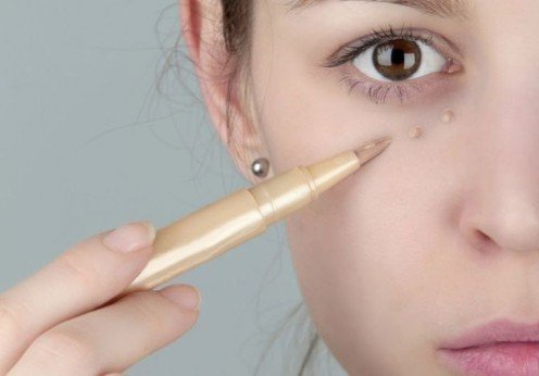 how to use a concealer